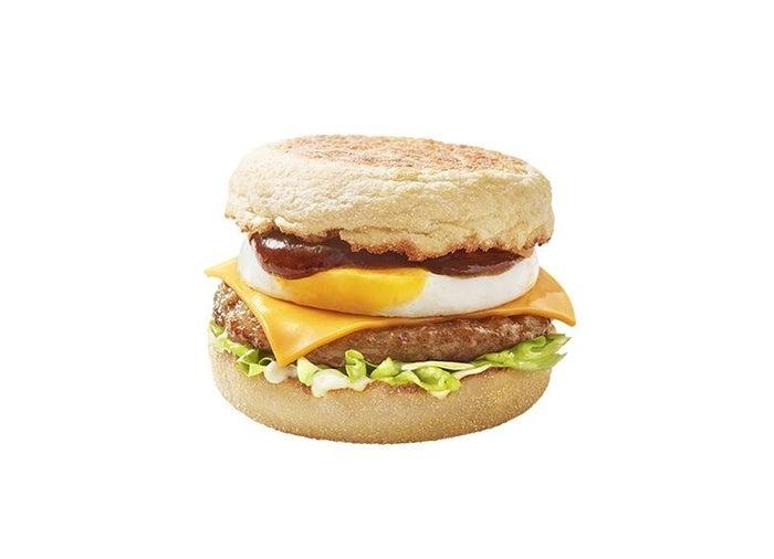 チーズロコモコマフィン/画像提供:日本マクドナルド