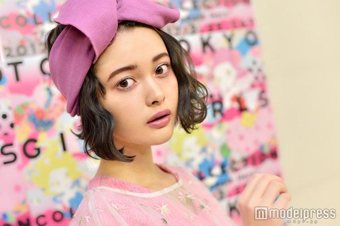 モデルプレスのインタビューに応じた玉城ティナ(C)モデルプレス