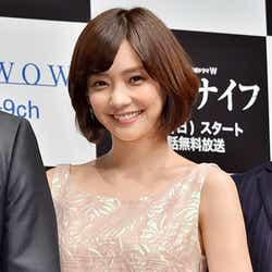 倉科カナ、制服&ハーフパンツ姿に照れ笑い「精神的に追い詰められた」【モデルプレス】