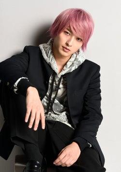 """横浜流星""""ピンク髪""""の不良少年に 試行錯誤重ね「大変でした」<初めて恋をした日に読む話>"""