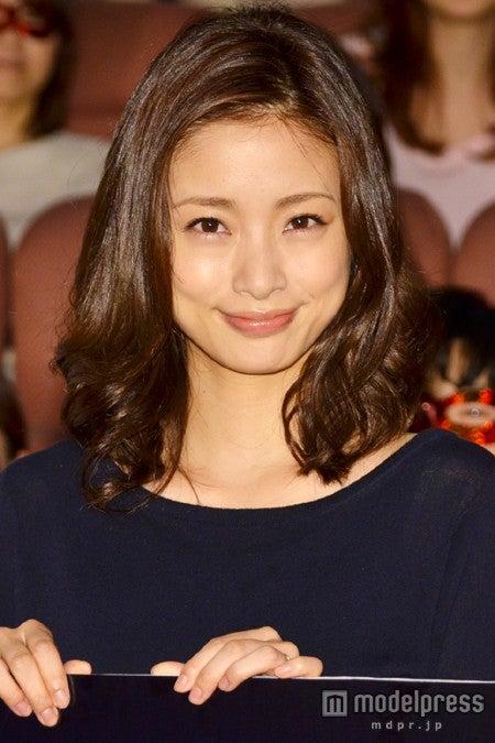 ドラマ「昼顔~平日午後3時の恋人たち~」完成披露試写会に出席した上戸彩