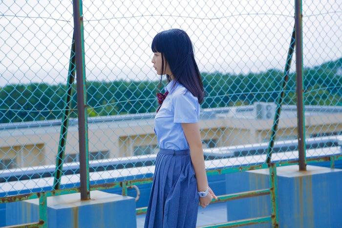 田中芽衣「こんな未来は聞いてない!!」撮影現場メイキングカット(提供写真)