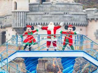 ディズニーのクリスマス装飾始まる 限定グッズやメニューも 大型ツリーは設置なし