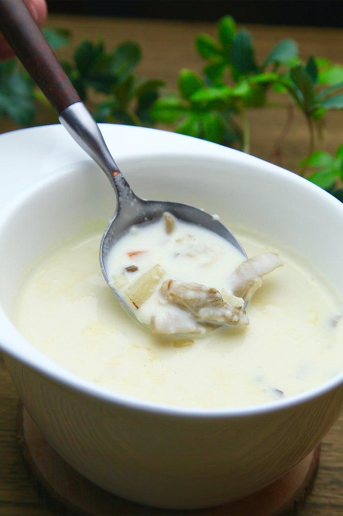 きのこたっぷりホワイトクラムチャウダー/画像提供:Soup+