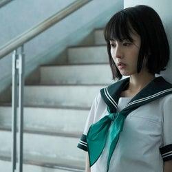 浜辺美波(C)2020映画「思い、思われ、ふり、ふられ」製作委員会 (C)咲坂伊緒/集英社