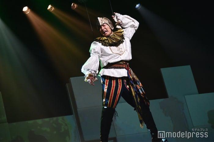 八木将康のフライングシーンも/舞台「勇者のために鐘は鳴る」公開ゲネプロより (C)モデルプレス