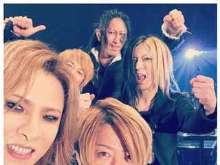 X JAPAN・YOSHIKI、GLAYからのビデオメッセージに感涙