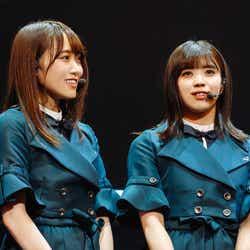 菅井友香、小林由依「欅坂46 3rd YEAR ANNIVERSARY LIVE」/撮影:上山陽介