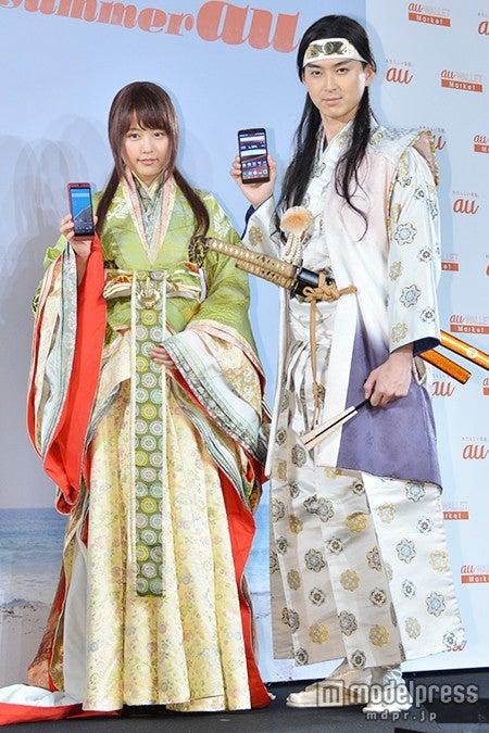 (左から)有村架純、松田翔太