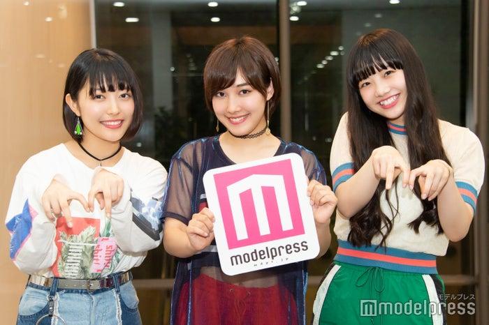 (左から)Nono、ami、MOMOKA(C)モデルプレス