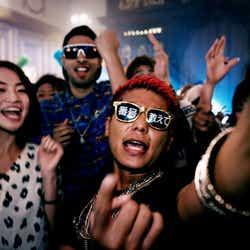 あっくん/「COME PARTY!」より(C)キングレコード