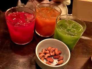 濃縮「コールドプレスジュース」をカクテルに! 世界初の専門バー『ムーンシャイン』が神田にオープン