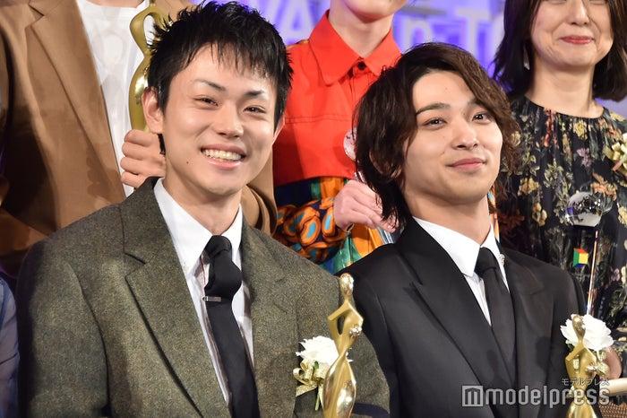 「東京ドラマアウォード2019」に登壇した菅田将暉、横浜流星 (C)モデルプレス