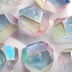 まるで「ダイヤのようなロウソク」が話題 作品への想いを作家に聞いた