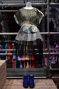 「命は美しい」衣装/「乃木坂46 Artworks だいたいぜんぶ展」(C)モデルプレス