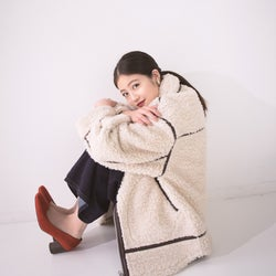 今田美桜、美肌の秘訣明かす ドキッとする眼差しで「steady.」初表紙
