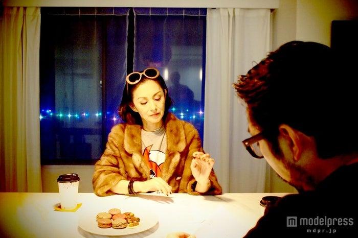 メイクアップアーティスト・和田吉元氏と夏木マリの対談が実現/画像提供:「Bimajin」