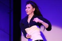 KABA.ちゃん、女性として公の場で初ダンス