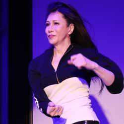 モデルプレス - KABA.ちゃん、女性として公の場で初ダンス