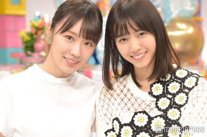 モデルプレスのインタビューに応じた西野七瀬(右)と高山一実(左)/(C)モデルプレス