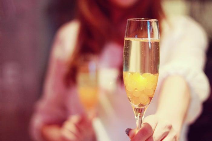 飲み会で男性がドキッとする4つの行動/photo by GIRLY DROP