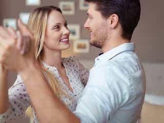 【女性心理】話しかけていいの……?「恥ずかしがり屋の女性を落とす」方法