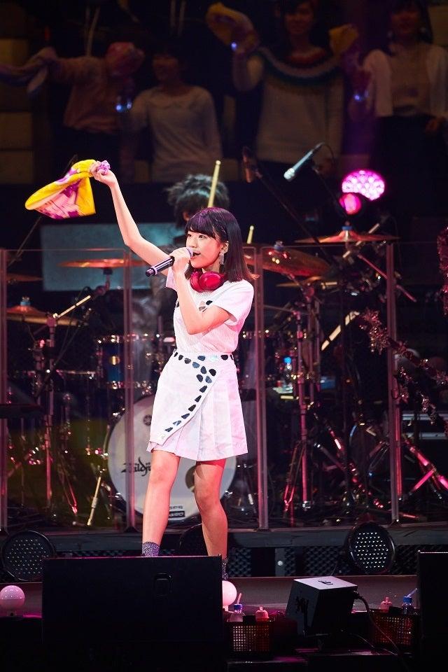 manaka/Little Glee Monster(C)三吉ツカサ(Showcase)