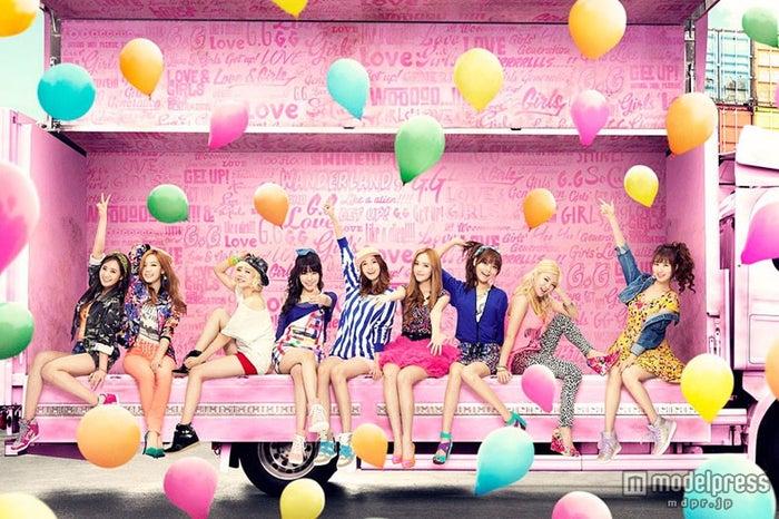 新曲MVを解禁した少女時代(左から、ユリ、テヨン、サニー、ティファニー、ユナ、ジェシカ、スヨン、ヒョヨン、ソヒョン)<br>