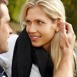 男が彼女に「キスしたくなる瞬間」4つ