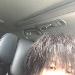モデルプレス - 中村倫也「凪のお暇」オフショットに「色気ダダ漏れ」「エロい」の声