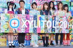 (左から)椎名ひかり、ISSEI、土屋太鳳、佐藤詩織、ヤバイTシャツ屋さん (C)モデルプレス