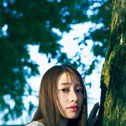 桜井玲香2nd写真集「視線」/楽天ブックス版表紙カット(提供写真)