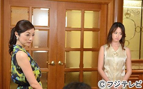 新キャストの高岡早紀(左)、主演の沢尻エリカ