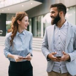 ダントツ男性人気!職場で「可愛いと思われる」モテ女性の特徴