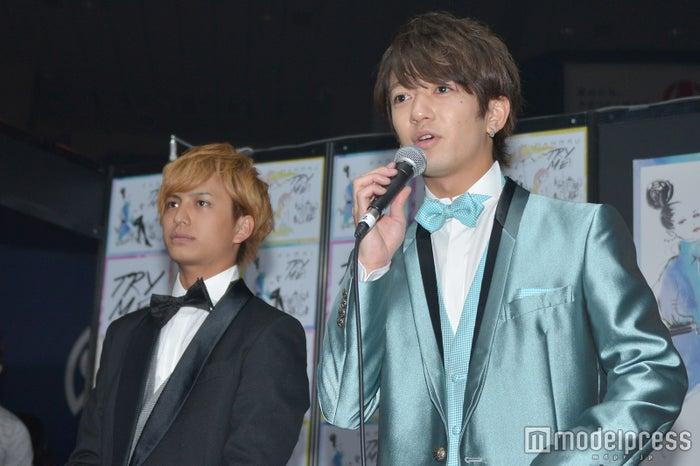 (左から)中島健、大倉士門 (C)モデルプレス