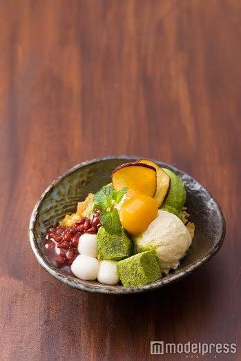 わらび餅と白玉と抹茶アイスの kawara パフェ 880円 (税別)/画像提供:エスエルディー