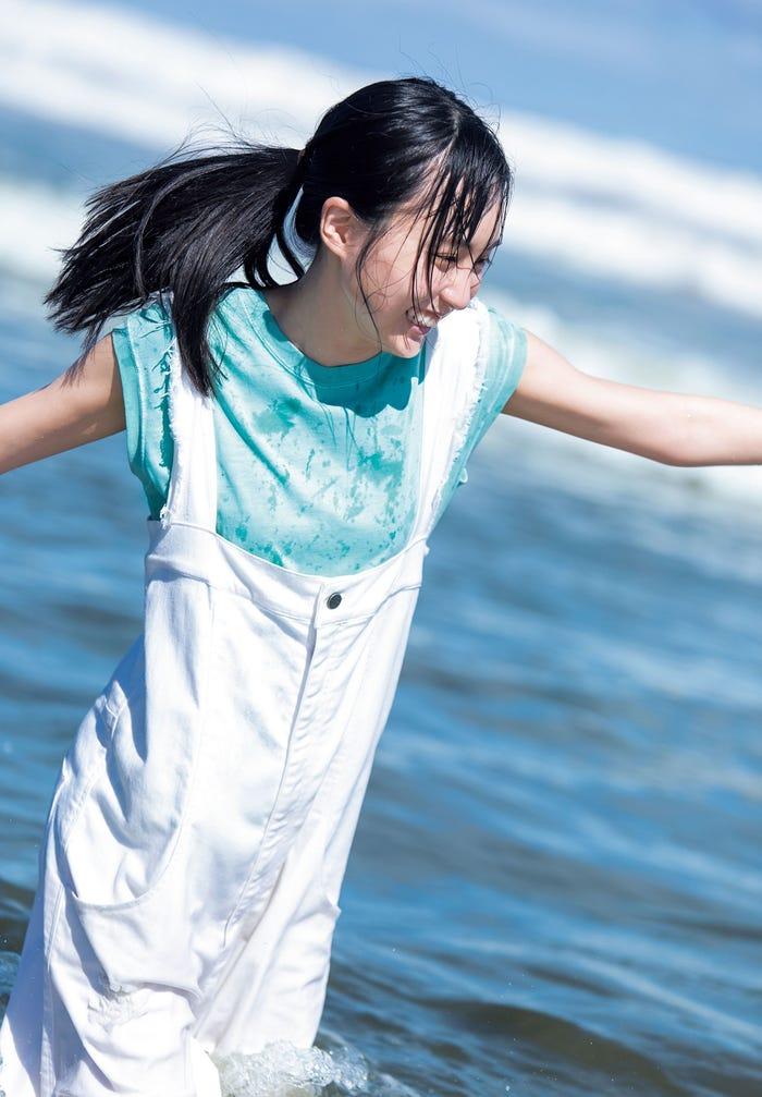 賀喜遥香:撮影 藤本和典<br />(C)藤本和典/集英社<br />