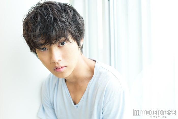 モデルプレスのインタビューに応じた山崎賢人(C)モデルプレス