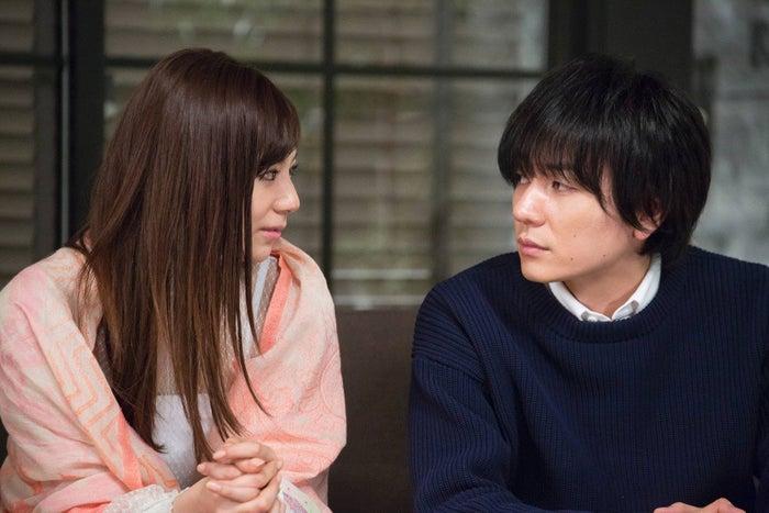 西内まりや、山村隆太/『突然ですが、明日(あした)結婚します』最終話より(画像提供:フジテレビ)