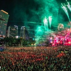 20周年の米マイアミ「Ultra Music Festival」に見る、音楽トレンド&最新フェスファッションのポイントは?