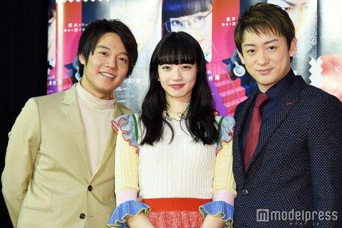 (左から)小出恵介、小松菜奈、山本耕史(C)モデルプレス