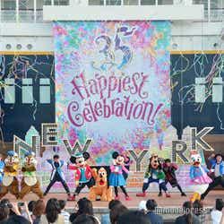 モデルプレス - ディズニーシー、新ショー初お披露目 チップ&デールのいたずらが可愛い<ハロー、ニューヨーク!>「テーブル・イズ・ウェイティング」に代わる新ショー