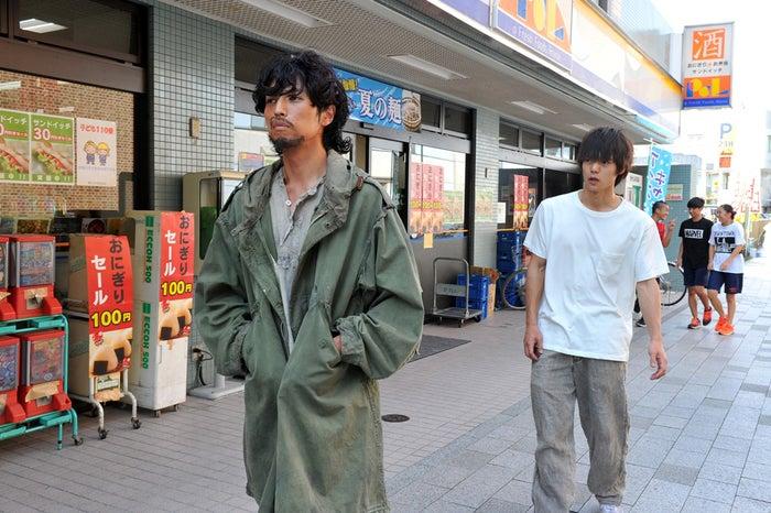 桐山漣、窪田正孝/『僕たちがやりました』第4話より(C)関西テレビ