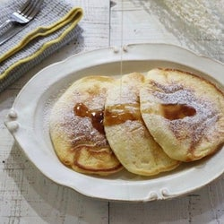 余ったお餅とホットケーキミックスで簡単にできる「ふわふわもっちりパンケーキ」の作り方