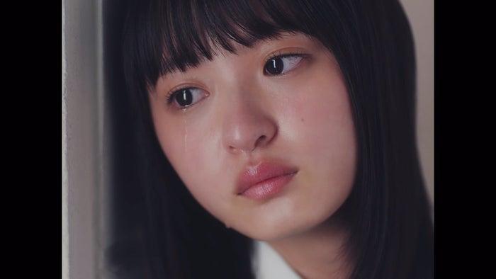 遠藤さくら/「夜明けまで強がらなくてもいい」MVより(提供写真)