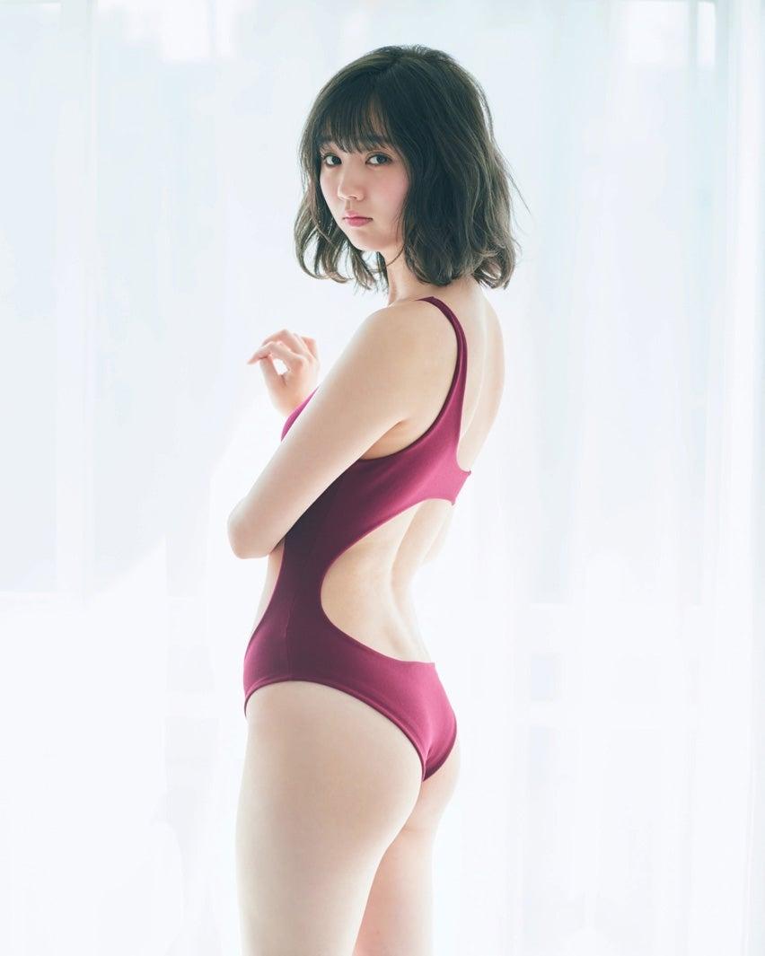 江野沢愛美さんのビキニ