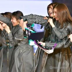 欅坂46の笑顔炸裂 うさ耳、胸キュンポーズ…クールだけじゃない可愛すぎたシーン5個<デビュー2周年記念ライブ>