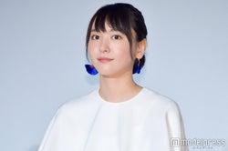 """""""デートなう""""を披露した新垣結衣 (C)モデルプレス"""
