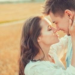この流れは…!女性が「キスを期待する瞬間」って?