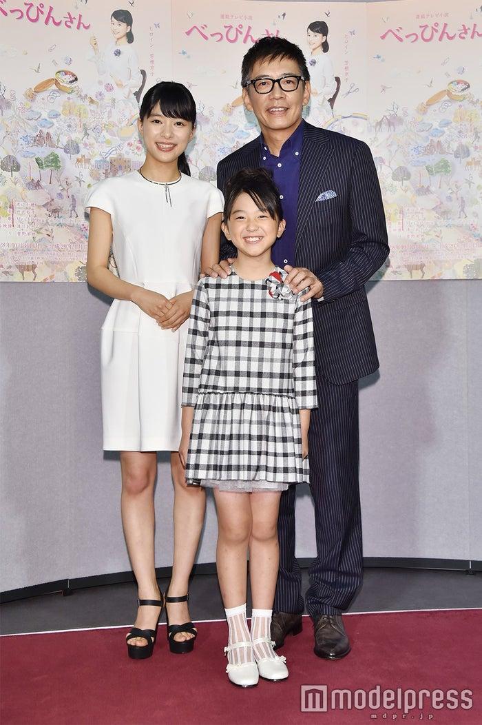 (左から)芳根京子、渡邉このみ、生瀬勝久(C)モデルプレス